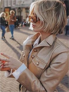 50 Short Bob Hairstyles for Women 2019 #shorthairstyles #hairstylesforwomen #bobhairstyles » froggypic.com