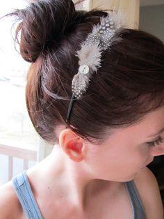 Sequins Headband (Source) Ribbon Chain Headband (Source) Braided Headband (Source) Chanel Inspired Headband (Source) Feather Headband (Source) T Shirt Headband (Source) Crystal… Chain Headband, Feather Headband, Feather Jewelry, Diy Headband, Headbands, Resin Jewelry, Hair Jewelry, Jewlery, Headband Hairstyles