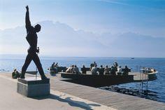 In Montreux steht am Ufer die überlebensgrosse Freddie-Mercury-Statue. Der Rockstar verbrachte während seinen letzten Lebensjahren viel Zeit an der Waadtländer Riviera. www.montreuxriviera.com