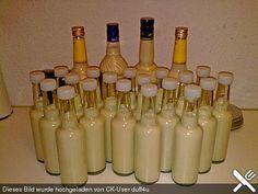 Marzipanlikör ♥  500 g Marzipan 250 ml Milch 330 ml Rum, 40%ig 200 ml Sahne 4 cl Likör (Licor 43)  Ist super lecker u ein Renner!