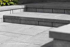 Pavé-uni - Aménagement paysager - Paysagement 450 983-6661  info@jl-paysagement.com  jl-paysagement.com Landscaping Austin, Landscaping Company, Balustrades, Patio Plans, Front Steps, House Entrance, Landscape Illustration, Modern House Design, Outdoor Living