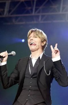 David Bowie beautiful in mind body and soul but needs feeding up ;)