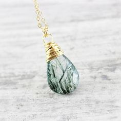 Green Tourmalinated Quartz Stone Necklace | Necklace | Jewelry | Druzy Jewelry | #druzy #druzyjewelry #jewelry #handmadejewelry | www.starlettadesigns.com