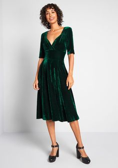Collectif x MC Vixen Match Velvet Midi Dress in 6 (UK) - A-line by Collectif from ModCloth Green Velvet Dress, Velvet Midi Dress, Green Midi Dress, Velvet Dresses, Emerald Green Cocktail Dress, Emerald Green Dresses, Cocktail Dresses, Emerald Bridesmaid Dresses, Bridesmaids