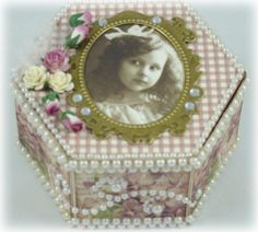 Another box for the Pazzles 12 boxes of Christmas challenge!  The sweet violet paper and picture are from Pion Design.