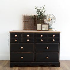 Black Vintage Farmhouse Dresser - A Ray of Sunlight How to redo a vintage dresser by replacing it's fake wood top with real wood for a farmhouse rust Farmhouse Furniture, Shabby Chic Furniture, Rustic Furniture, Painted Furniture, Diy Furniture, Bedroom Furniture, Dresser Furniture, Furniture Market, Furniture Refinishing