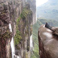 """Existe un mundo perdido y te está esperando!! ¿Te atreves a descubirlo? Tour Roraima Tepuy (6 días / 5 noches) Próximas fechas: 26-02-15 / 29-03-15 / 30-03-15 y 31-03-15 + info: Ayapainatours.c.a@gmail.com Vive la aventura #ayapainatours ! !  #Seturistaentupais #conocevenezuela #conocetupais #thisisvenezuela #Roraima2015 #bolivar #kukenan #gransabana #aquinosehablamaldevenezuela #vivelaaventura #roraima #tepuy #venezuela #mundoperdido #sabana #ig_bolivar #igersvenezuela #ig_venezuela…"