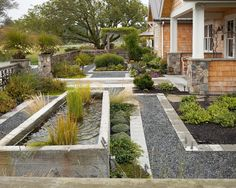 How To Have A Beautiful Landscaped Yard - Landscaping Lovers Landscaping Around House, Gravel Landscaping, Home Landscaping, Front Yard Landscaping, Flower Landscape, Landscape Photos, Landscape Design, Garden Design, Love Garden