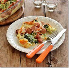 Gizi-receptjei. Várok mindenkit.: Brokkoli tojással és virslivel csőben sütve. Meat, Chicken, Food, Essen, Meals, Yemek, Eten, Cubs
