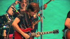 Los auténticos decadentes - El pájaro vió el cielo y se voló (video ofic...Tenemos el Honor de Recibir este jueves a las 22 hs. en el piso de Radio el Padrino a LOS AUTENTICOS DECADENTES , vamos a cantar, bailar y disfrutar de todos sus clasicos, no se lo pierdan, en AL TOQUE por Radio El Padrino www.elpadrinoradio.com.ar