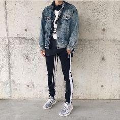 """1,834 lượt thích, 5 bình luận - URKOOL Streetwear (@urkoolwear) trên Instagram: """"@______usuke in our Double striped track pants. ▪️Order at :www.urkoolwear.com . . . .…"""""""