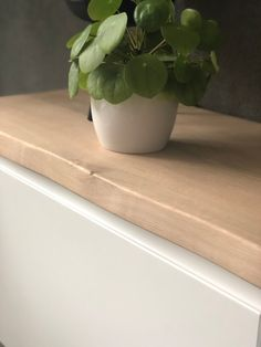 I cooked up a perfect wall mounted TV cabinet - IKEA Hackers Tv Cabinet Ikea, Ikea Cupboards, Kitchen Wall Cabinets, Tv Cabinets, Tv Furniture, Furniture Making, Ikea Hacks, Tv Cabinet Design, Wall Mounted Tv