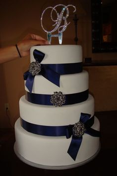 fake wedding cake, used styrofoam and plaster, top layer will be real. GREAT IDEA!