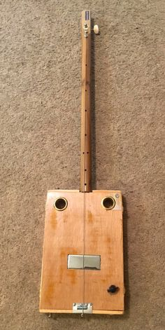 Bluesboy Jag Plain Wood Humbucker One String Diddley Bow Cigar Box Guitar Under The Wire, Video Cd, Guitar Diy, Metal Slide, Cigar Box Guitar, Diy Bow, Woodworking Workshop, Banjo, Cigars