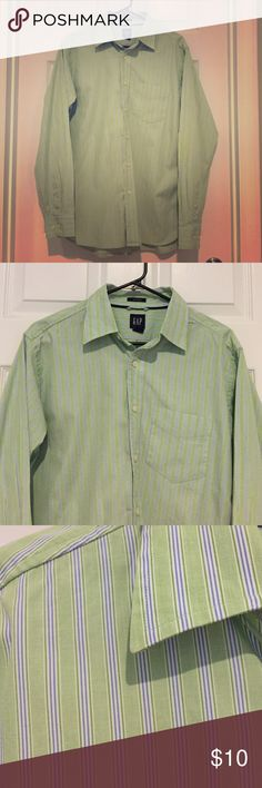 Men's GAP Classic Fit Shirt Perfect condition GAP men's shirt. Green and blue stripe. Medium. GAP Shirts Casual Button Down Shirts