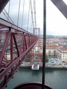 Puente Bizkaia (Las Arenas, Getxo).  Foto: Zarateman