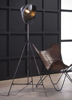 die Stehlampe Bonnet hat das Zeug dazu, um Idein Zuhause einen eigenen und einzigartigen Touch zu verleihen