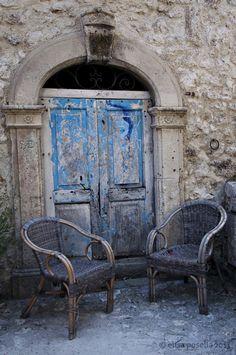 Door in Abruzzo, Italy