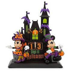 Don't go bats before the big day! Little gremlins can mark time until tricks or treats with this fully-sculptured Halloween Countdown Calendar. Minnie and Mickey Mouse figurines in masquerade costume display the date on a haunting Halloween centerpiece. Halloween Torte, Disney Halloween Decorations, Mickey Mouse Halloween, Mickey Minnie Mouse, Scary Halloween, Fall Halloween, Halloween Crafts, Happy Halloween, Halloween Stuff
