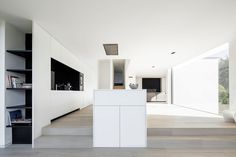 Home DW is a minimal house created by Belgium-based designer Francisca Hautekeete.