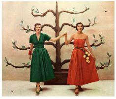 Toni Owens Designs, 1950s. #vintage #fashion #dresses #flowers