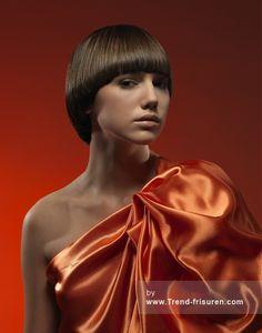 Trendy Haar Braun Mittel weiblich Gerade Farbige Multi-Klangschale Polnisch Bob-Frauen Frisuren hairstyles