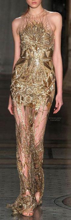 Fall 2014 Ready-to-Wear Julien Macdonald Gold gown by tonya