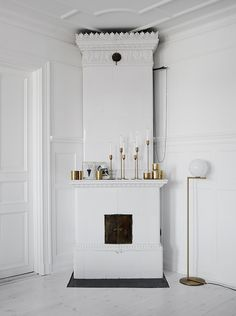Crispy white and brass - via cocolapinedesign.com