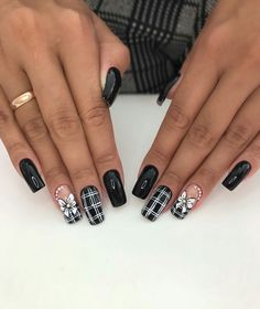 We offer the best tools to get these great designs in our website Elegant Nail Designs, Black Nail Designs, Simple Nail Art Designs, Toe Nail Designs, Easy Nail Art, Fancy Nails, Diy Nails, Cute Nails, Pretty Nails