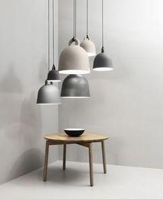 Scandinavisch industrieel interieur eetkamer wit zwart rustig neutraal basic interieur interior industrial grijs verlichting hanglampen