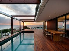 Barcelona-based studio Magma Arquitectura has designed the House V in the Costa Brava. As its name suggests, this contemporary home is located in the Costa Brava, a coastal region of northeastern Catalonia, Spain. Outdoor Spaces, Outdoor Living, Outdoor Pool, Backyard Patio, Indoor Outdoor, Ideas De Piscina, Moderne Pools, Interior Architecture, Interior Design