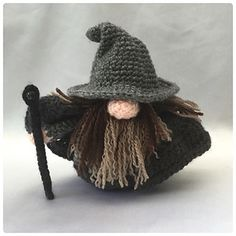 Wizard Gonk - free crochet outfit pattern for the pay for Gonk pattern by Ling Ryan / Hooked On Patterns - A Gonk's Journey.