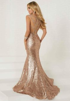 Tiffany Designs prom dresses create a sophisticated fairy tale look that will have you being the bell of the ball. Shop Formal Approach for our favorite Tiffany Designs styles! Great Gatsby Prom Dresses, Gold Mermaid Prom Dresses, Fitted Prom Dresses, Homecoming Dresses, Bridesmaid Dresses, Formal Dresses, Gold Formal Dress, Gold Glitter Dresses, Rose Gold Dresses