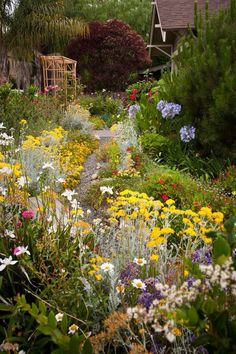 pretty flower garden cottage garden ideas Try The English Cottage Garden Style Garden Shrubs, Garden Paths, Rain Garden, Garden Landscaping, Garden Arbor, Landscaping Design, English Garden Design, Small Garden Design, English Country Gardens