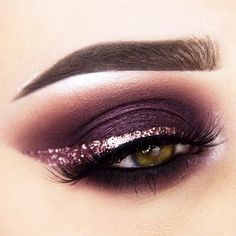 18+ Cool Makeup Looks for Hazel Eyes and a Tutorial for Dessert ★ Festive Ideas for Hazel Eyes Makeup picture 1 ★ See more: http://glaminati.com/hazel-eyes/ #makeup #makeuplover # makeupjunkie #makeupideas #hazeleyes #eyesmakeup #makeuptutorial
