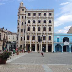 Plaza Vieja,Havana