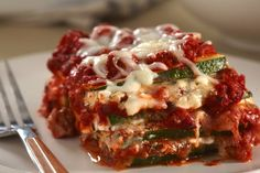 Enjoy pasta without the pasta with Zucchini Lasagna with Ground Turkey. Serve a crisp green salad alongside Zucchini Lasagna with Ground Turkey. Eggplant Zucchini, Zucchini Lasagna, Zucchini Pasta, Pizza Lasagna, Turkey Recipes, New Recipes, Crockpot Recipes, Cooking Recipes, Healthy Recipes