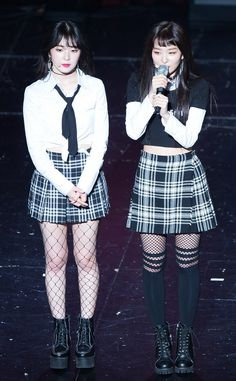 Red Velvet Irene and Seulgi Red Velvet アイリーン, Irene Red Velvet, Red Velvet Seulgi, Stage Outfits, Kpop Outfits, Korean Outfits, Fashion Outfits, Velvet Fashion, Asian Fashion
