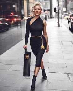 782.5 тыс. подписчиков, 702 подписок, 3,092 публикаций — посмотрите в Instagram фото и видео MICAH GIANNELI (@micahgianneli) Fashion Styles, 80s Fashion, Fashion Moda, Fashion Beauty, Fashion Advice, Women's Fashion Dresses, Girl Fashion, Fashion Over 50, Sexy Dresses