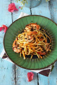 rachel ray's aglio olio with spicy shrimp.