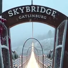 Breathtaking sky bridge in Gatlinburg. Fun fact:  It is the longest pedestrian suspension bridge in North America.  ⁠ .⁠ Share someone who wants to walk here in winter wonderland. ⁠ IG 🎥 @gatlinburgskylift⁠ .⁠ Save up to 70% on our vacation package in Gatlinburg. ⁠👇⁠ .⁠ .⁠ .⁠ #skybridge #gatlinburgskybridge #gatlinburg