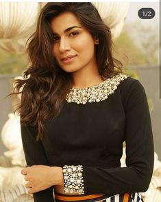 Bell Sleeves, Bell Sleeve Top, Blouse Designs, Shirt Blouses, Monalisa, Crop Tops, Skirts, Instagram, Dresses