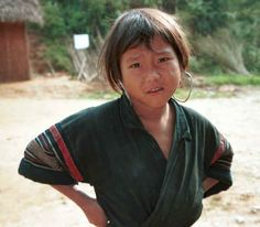 Jpeg K Black Hmong girl near a school in the hills around Sa Pa, Lao Cai Province 9510J10.JPG