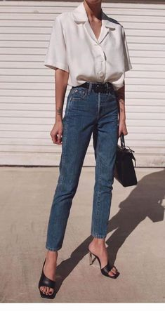 Steal the look. Parisian style outfit, very simple outfit perfect for fall outs . Steal the look. Parisian style outfit, very simple outfit perfect for fall outs and winter fashion! The perfect basic clothing style for any minimalis. Basic Outfits, Mode Outfits, Simple Outfits, Trendy Outfits, Basic Ootd, Fresh Outfits, Simple Dresses, Trend Fashion, Look Fashion