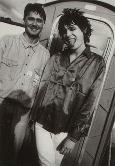 Nicky Wire of Manic Street Preachers and his older brother Patrick Jones, 1992 Richey Edwards, Dynamic Duos, Hate Men, Writers And Poets, Britpop, I Miss Him, Cool Bands, Hair Inspo, Music Artists