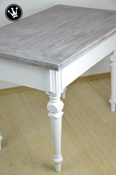 DIY   Tisch Mit Kreidefarbe Streichen, Tischplatte Mit Der White Wash  Methode Lasieren. Ich Habe Einen Alten Eichetisch Gestrichen Und Die  Tischplatte Weiß ...