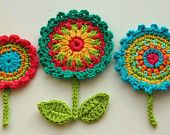 Crochet Circle Motif Flower with leaves and stem -  Crochet Garden Series. $3,80, via Etsy.