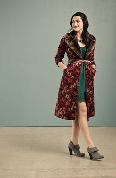 Velvet Vixen (by Nadia Aboulhosn) http://lookbook.nu/look/4390299-Velvet-Vixen…