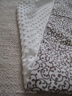 DIY: Luxuious Baby Blanket. Baby blanket?! Pleaseeee! I've been wanting one of these for 3 years now! :b