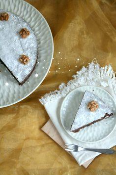 Met deze walnotentaart met slechts 3 ingrediënten scoor je punten deze kerst. En ook voor of na kerst is deze taart super leuk om te maken en zo klaar!